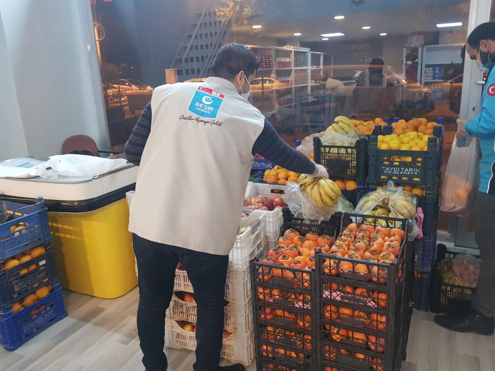 Malatya Temsilciliğimizden Kışlık Giyim Sebze Meyve Dağıtımı