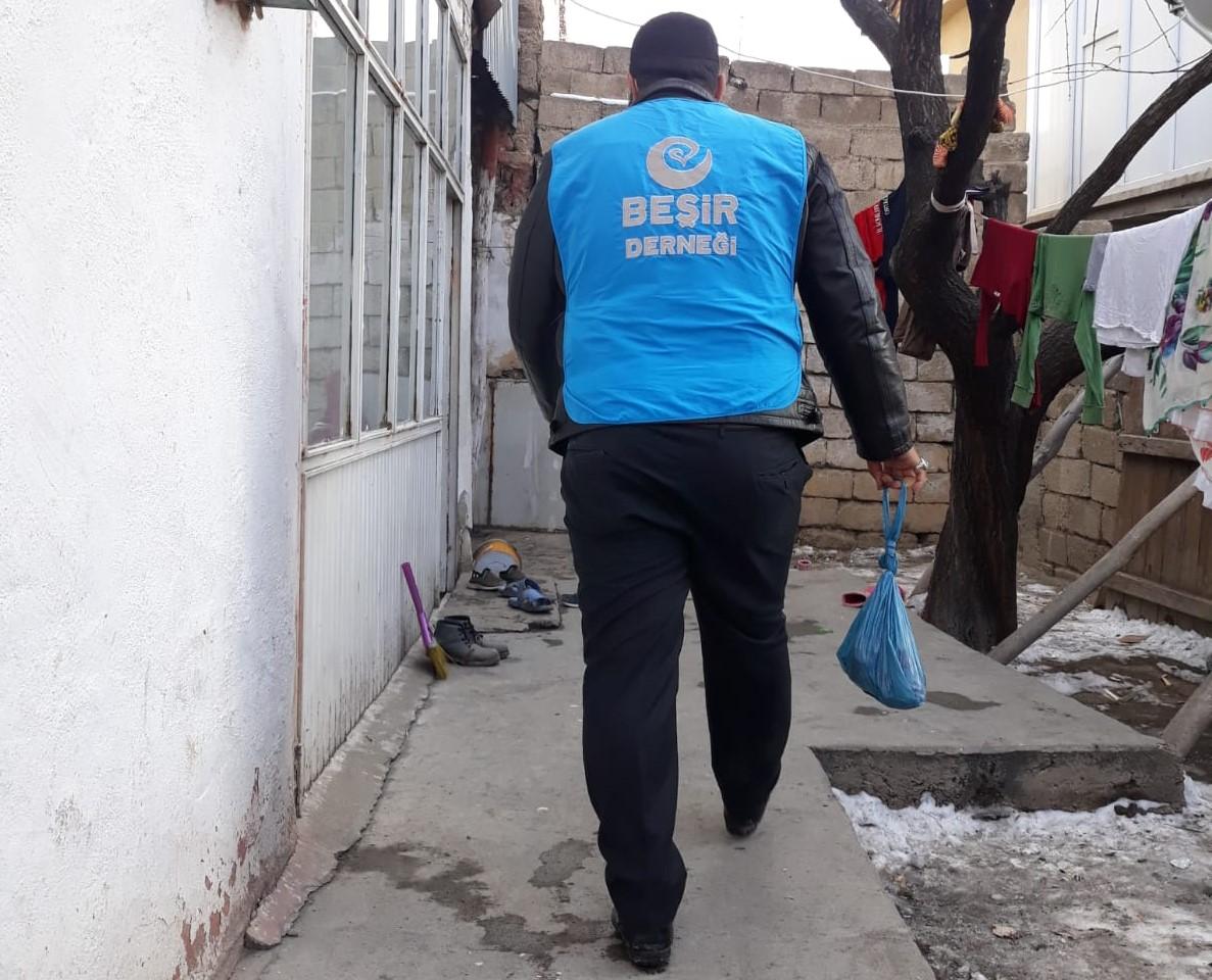 Van'da Adak Kurban Bağışı ve Gıda Dağıtımı