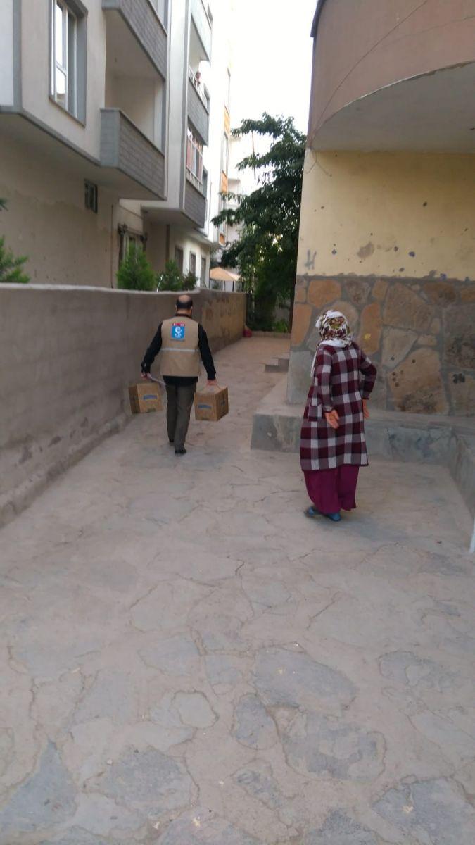 Beşir Derneği Patnos'ta İhtiyaç Sahiplerinin Yüzlerini Güldürdü