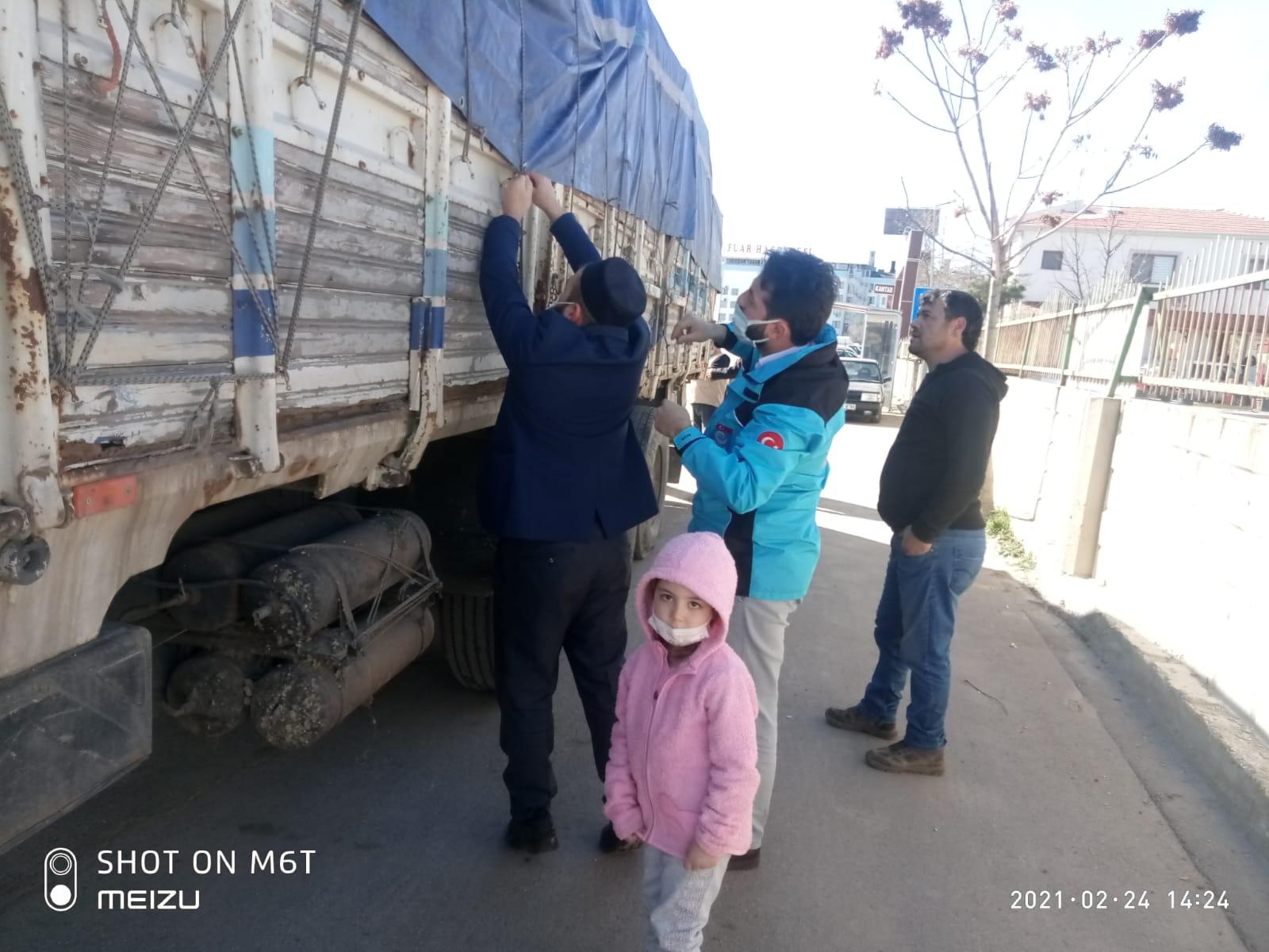 Göçmen Kamplarına Yardım Tırı