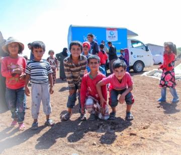 Gıda Yardımları,İnsani Yardım,Suriye Yardımları,Yurtdışı Yardımları,Suriye, Halep, İdlib, insani yardım, tır, sıcak, yemek, ekmek, gıda,