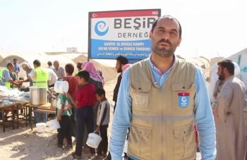 ,Azez Risale Kampı'nda Sıcak Yemek ve Ekmek Dağıtım